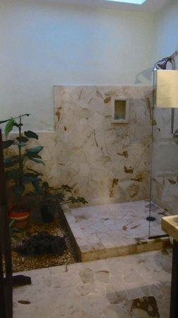 Casa Tía Micha: Don Luis Suite bathroom