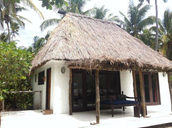 Navutu Stars Fiji Hotel & Resort : Our Bure