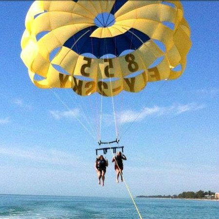 Englewood Parasailing & Tours: such a blast!!