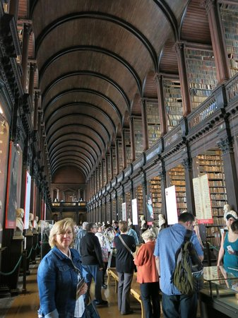 The Book of Kells and the Old Library Exhibition: Se respira conocimiento