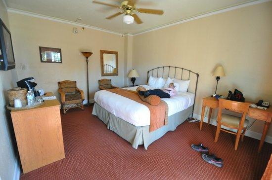 Furnace Creek Inn and Ranch Resort: second floor room at furnace creek inn
