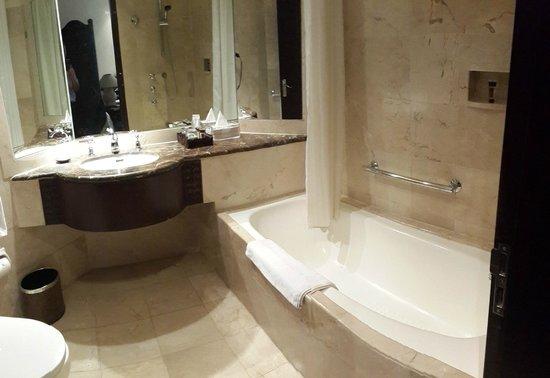 Bandara Hotel : Nuansa Kamar mandi