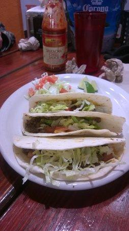 Lucha Colorado Cantina : the famous tacos