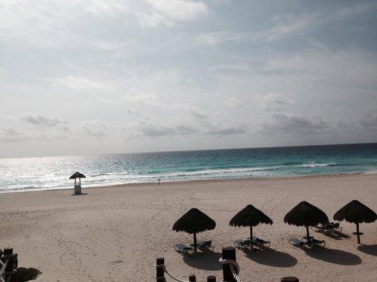 Grand Park Royal Cancun Caribe: Beach