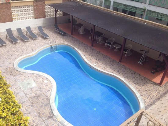 Hotel Garant: View of the swimming pool.