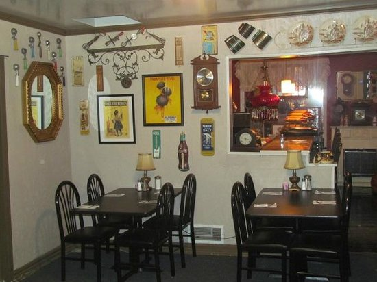 Phil's Restaurant: One of the seating areas