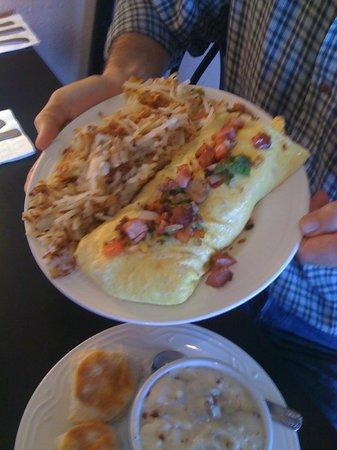 Phil's Restaurant: Delicious Omelet
