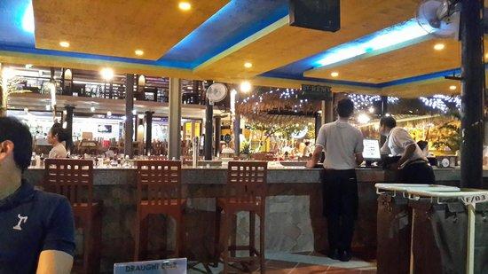 Baan Laimai Beach Resort: great food