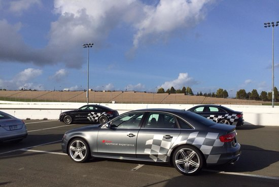 Simraceway Performance Driving Center: S4 and S5 ready set go!