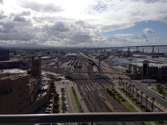 Omni San Diego Hotel : View from floor 17 across the rail yards. Petco Park to the left and Coronado Bridge on the hori