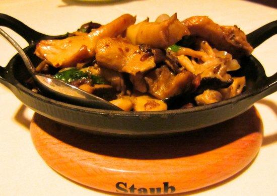 Dawson's Steakhouse: Side of wild mushrooms
