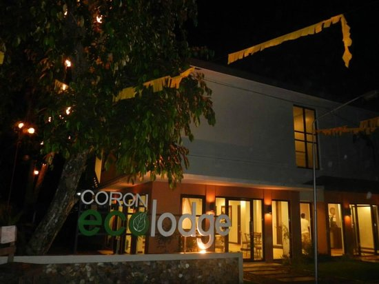 Coron Ecolodge : Eco-Lodge at night