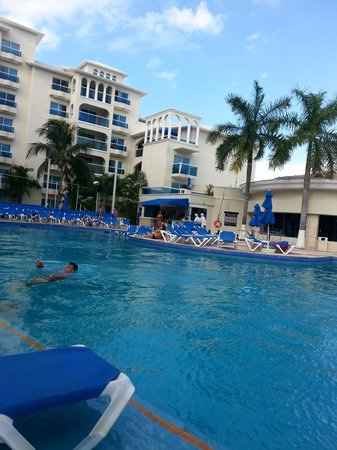 Occidental Costa Cancun : vista de la alberca