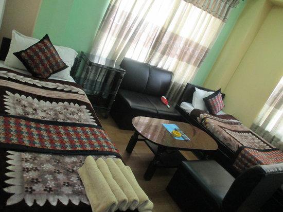 Hotel Budget Multiplex (P.) Ltd: Deluxe Room