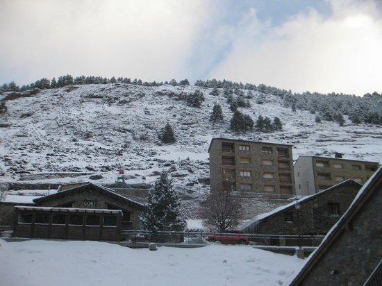 Himalaia Soldeu: Вид из отеля.