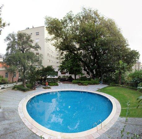 Tivoli Lisboa: Pool area