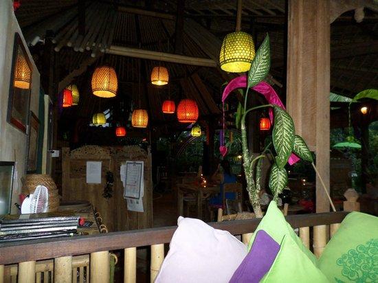 Swasti Eco Cottages : Restaurant