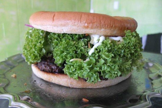 Don's Asian Kitchen: Kaikoura Famous Giant burger (1.5kg)