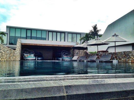 Casa de La Flora: สระว่ายน้ำ