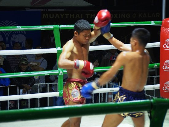 Muay Thai at Klong Dao Stadium: Fighting