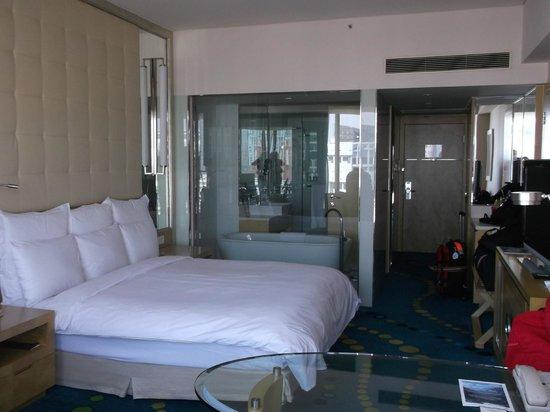 Renaissance Shanghai Yu Garden Hotel: room view