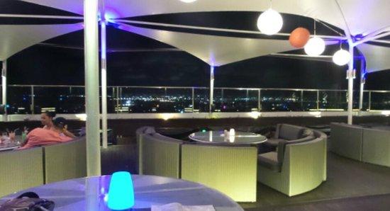 The Jimbaran View : rooftop bar