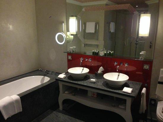 Le Grand Bellevue : Salle de bain