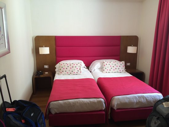 Hotel Plaza: Twin room