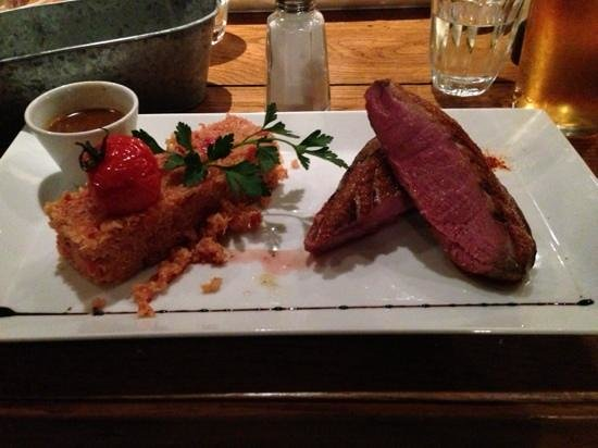 Au Bougnat : Duck with Chorizo and Quinoa served with gravy