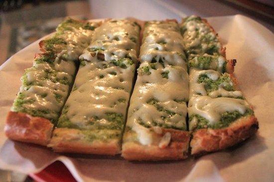 Village Host Pizza & Grill : Pesto Cheese Bread