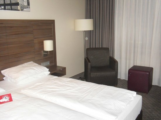 Leonardo Royal Hotel Düsseldorf Königsallee: Bedroom/Seating
