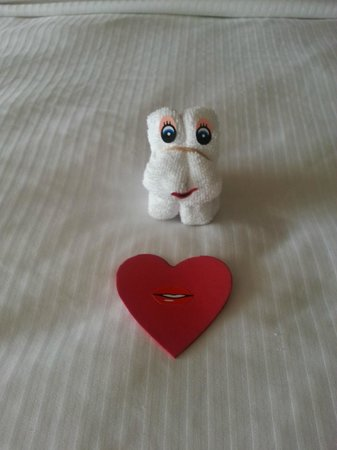 The Westin Resort & Spa Puerto Vallarta: Cute surprise on our bed.