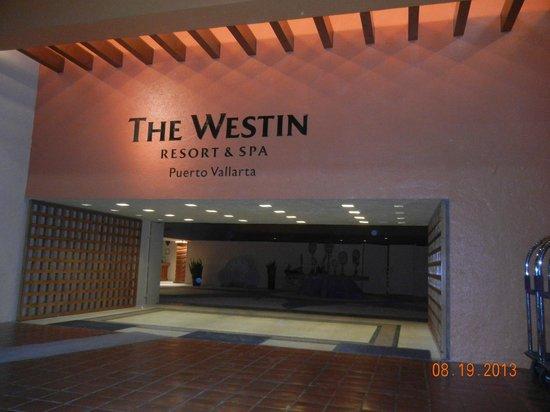 The Westin Resort & Spa Puerto Vallarta: Open entrance