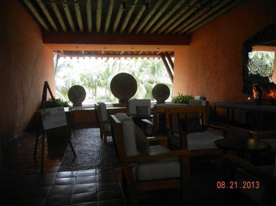 The Westin Resort & Spa Puerto Vallarta: The lobby during renovation