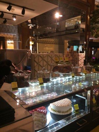 Posh Cafe: The desserts