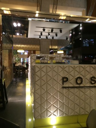 Posh Cafe: View1
