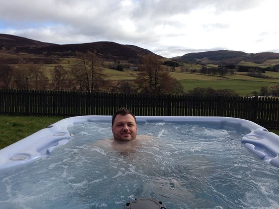 Dalnoid Holiday Cottages: Hot tub