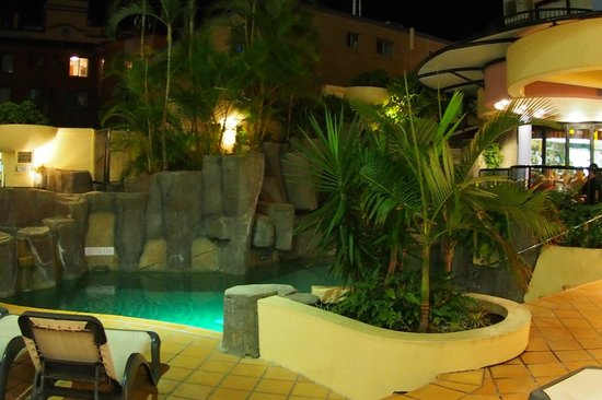 Nautilus Mooloolaba : Billabong-style night swimming...