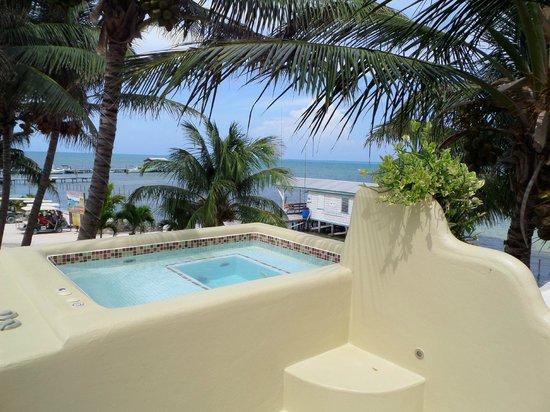 Seaside Cabanas : Nice views from upstairs jacuzzi
