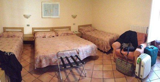 Hotel Elite: Camera 8
