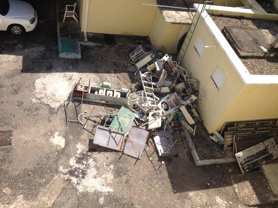Rooms Ocho Rios: La vue de la fenêtre du corridor, magnifique n'est pas ?