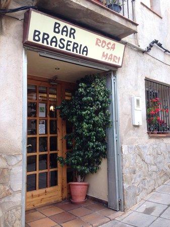 Braseria Rosa Mari: Entrada Restaurant