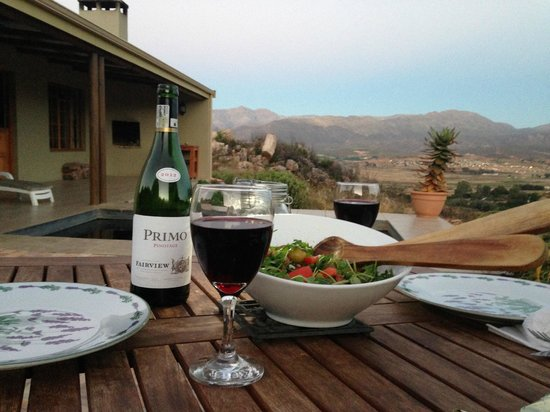 Petersfield Farm Cottages: dinner with a view