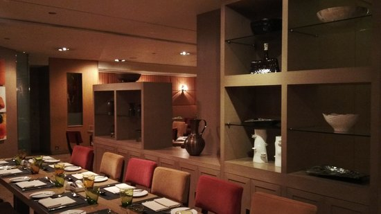 Renaissance Hong Kong Harbour View Hotel : suasana all day dining