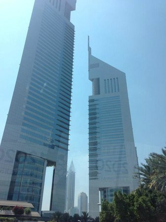 Jumeirah Emirates Towers: Roadside View of the Towers