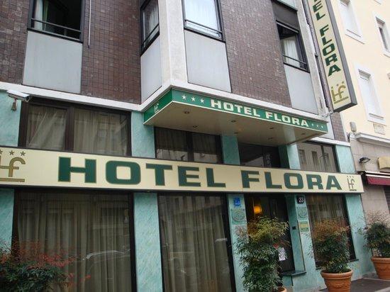 Flora Hotel: HOTEL FLORA