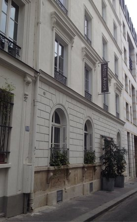 Hotel Arvor Saint Georges : Just off main street, so quiet.. and really easy to walk to from Gare du Nord. **DONT STAY CENTR