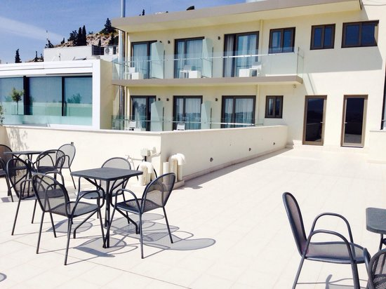 Acropolis Hill Hotel : Hotel roof deck