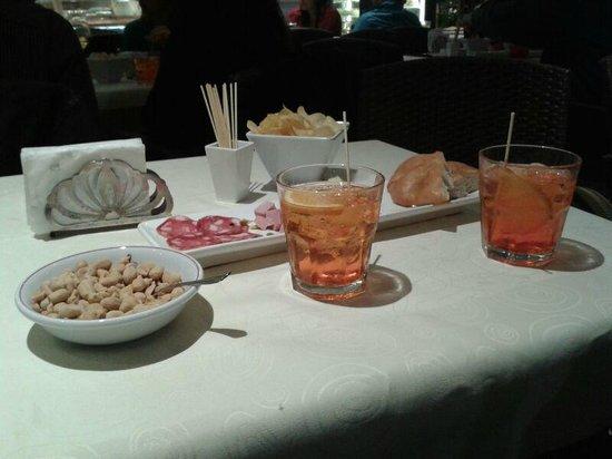 Caffe' Sirena: ..l'aperitivo!! ;)