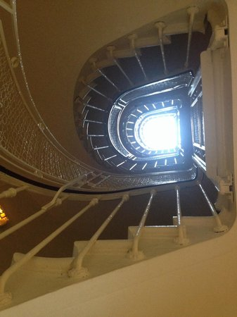 Hotel Arvor Saint Georges : Central stair case is a beauty...